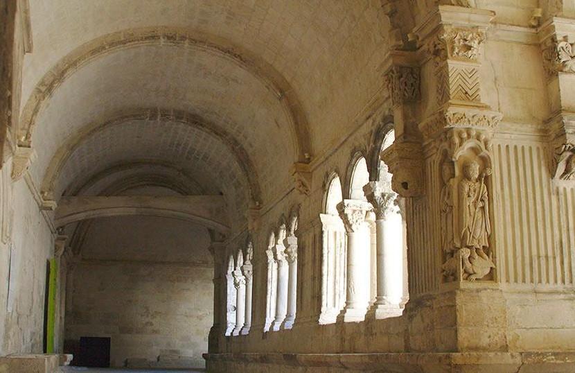 Camperreis Frankrijk: Abbaye de Montmajour